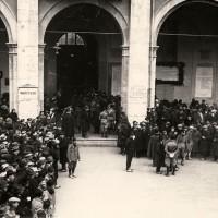 Cesena, la cerimonia, in Municipio, dell'insediamento del primo Podestà di Cesena, A. Biagini, 1927 (BCM Fondo Dellamore, FDP 709)