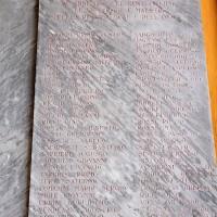 Loggiato comunale, la lapide dedicata alla memoria dei martiri per la Resistenza- 2