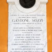 Loggiato comunale, la lapide dedicata alla memoria di Gastone Sozzi