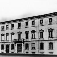 Cesena, il palazzo della Banca Popolare, già Palazzo Fantaguzzi, 1956 circa (BCM Fondo Bacchi, FBP 723)