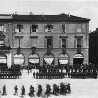 Il balcone della Prefettura (Archivio Zoli)