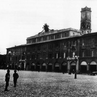 Facciata del Palazzo comunale (coll. privata)