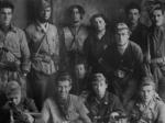 Alcuni dei partigiani della 60ª brigata d'assalto Garibaldi caduti ai Guselli nell'imboscata del dicembre 1944. Al centro, in piedi, il comandante Giacomo Callegari.