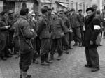 Soldati tedeschi fatti prigionieri dai partigiani e consegnati agli alleati in Piazza del Popolo