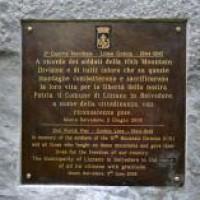 Targa sula Monumento alla 10^ Divisione, Monte Belvedere