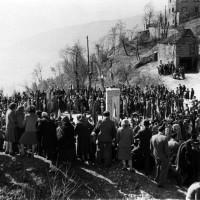 Una delle prime celebrazioni della strage di Monchio