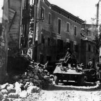 Mezzi brasiliani a Montese, distrutto dai combattimenti incrociati