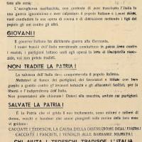"""Dopo i richiami alle armi della Repubblica Sociale Italiana le forze antifasciste esortano i giovani a non combattere per Hitler e Mussolini, evitando """"domani"""" la punizione riservata ai """"traditori di oggi""""."""