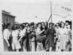 Giovani partigiane il giorno della liberazione.