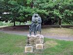 Il monumento alle  madri e vedove dei caduti e dispersi in guerra  al parco urbano Franco Agosto