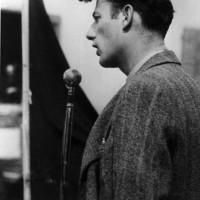 Il 22 aprile 1945 Mario Bisi, Commissario politico delle formazioni partigiane solieresi e protagonista della Resistenza nella Prima zona, tiene il discorso della Liberazione dal balcone di Casa Lugli, in piazza Fratelli Sassi.