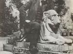 Formiggini nel giardino della sua casa romana nel 1935.