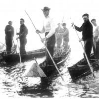 Una squadra di fiocinini (Archivio Fotowall)
